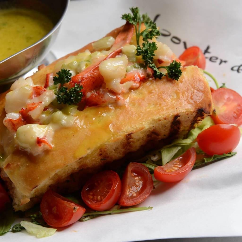 Lovster & Co, il primo Lobster Resturant italiano che propone piatti unici a base di astice al costo accessibile di 25€, conquista Milano.