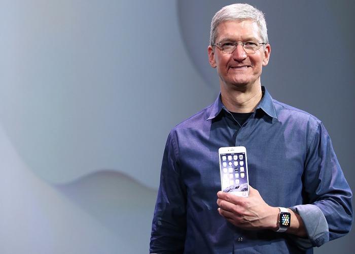 iPhone di Steve Jobs compie 10 anni