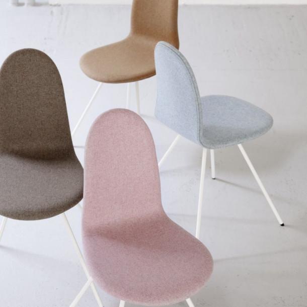 3-Arne-Jacobsen-1955-Tongue-Chair-now-Howe-2