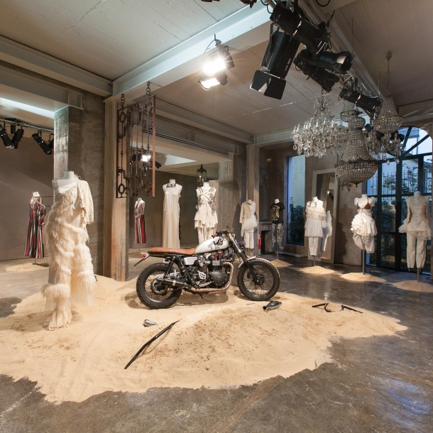 DONDUP SS16 WOMEN'S COLLECTION PRESENTATION in Milan