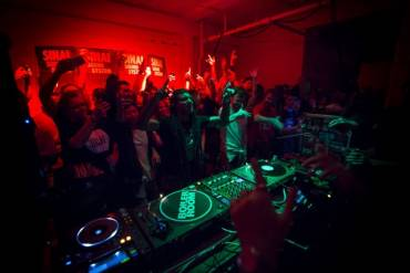 DEEP MEDì è un party che si propone di celebrare un movimento, una cultura e i 10 anni di DEEP MEDi Musik. Il 28 gennaio al Leoncavallo a Milano.