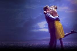 Con 14 nomination agli Oscar 2017 La La Land racconta una burrascosa storia d'amore tra un'attrice (Emma Stone) e un musicista (Ryan Gosling).