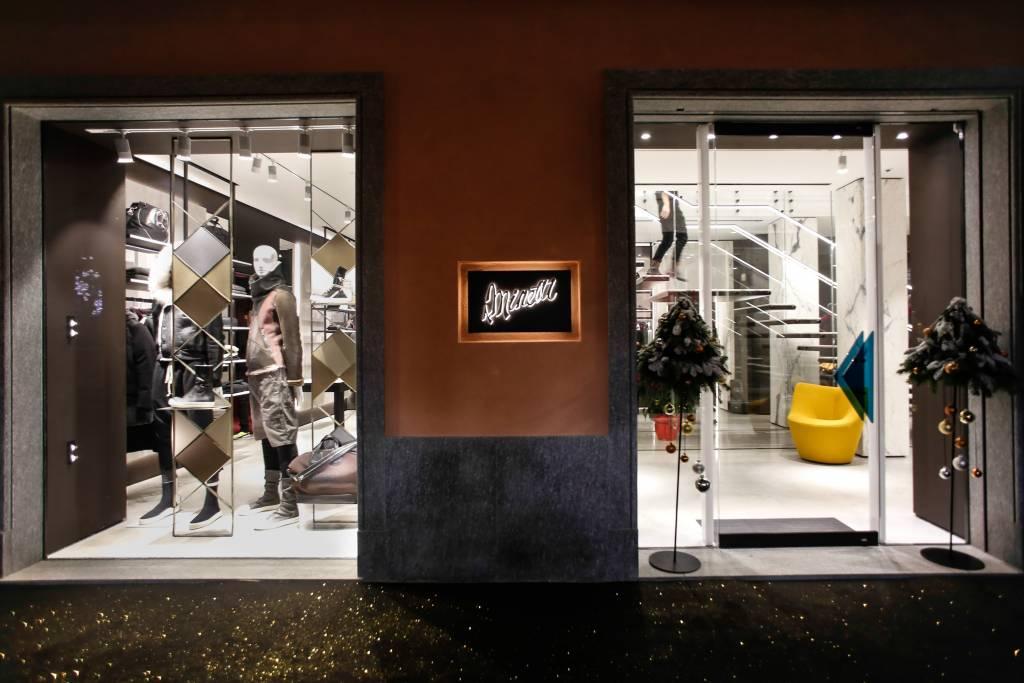 A.Minetti apre uno spazio dedicato alla donna nella sua boutique