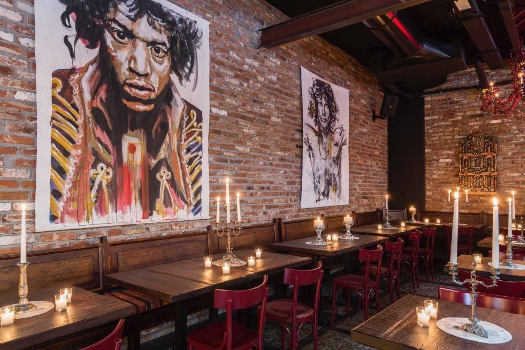Dalle mani di chi ha portato a Milano quel vippaio di Ricci e di Petit, nasce il ristorante messicano Canteen, con tequila bar tutto da fotografare.