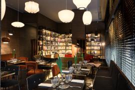 Arabesque Café, un'oasi della cultura del design in un locale che ha fatto dell'estetismo la sua essenza.