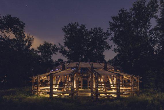 Dal 23 al 26 giugno 2017, all'interno dell'esclusiva cornice di Villa Arconati (Milano), si svolge la quarta edizione di Terraforma festival.