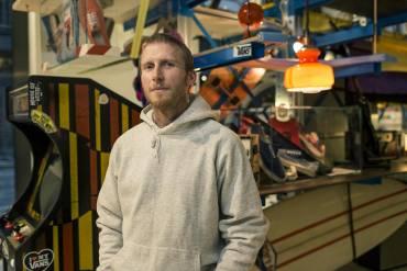 Henry Davies è uno dei più grandi collezionisti di sneaker al mondo, non che il collezionista N.1 di Vans.