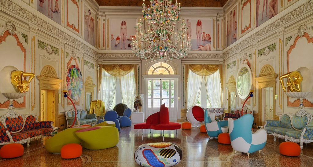 la lounge del Byblos Art Hotel