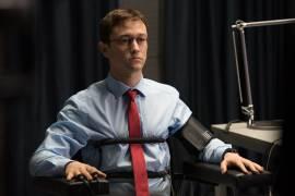 Joseph Gordon-Levitt in Snowden di Oliver Stone