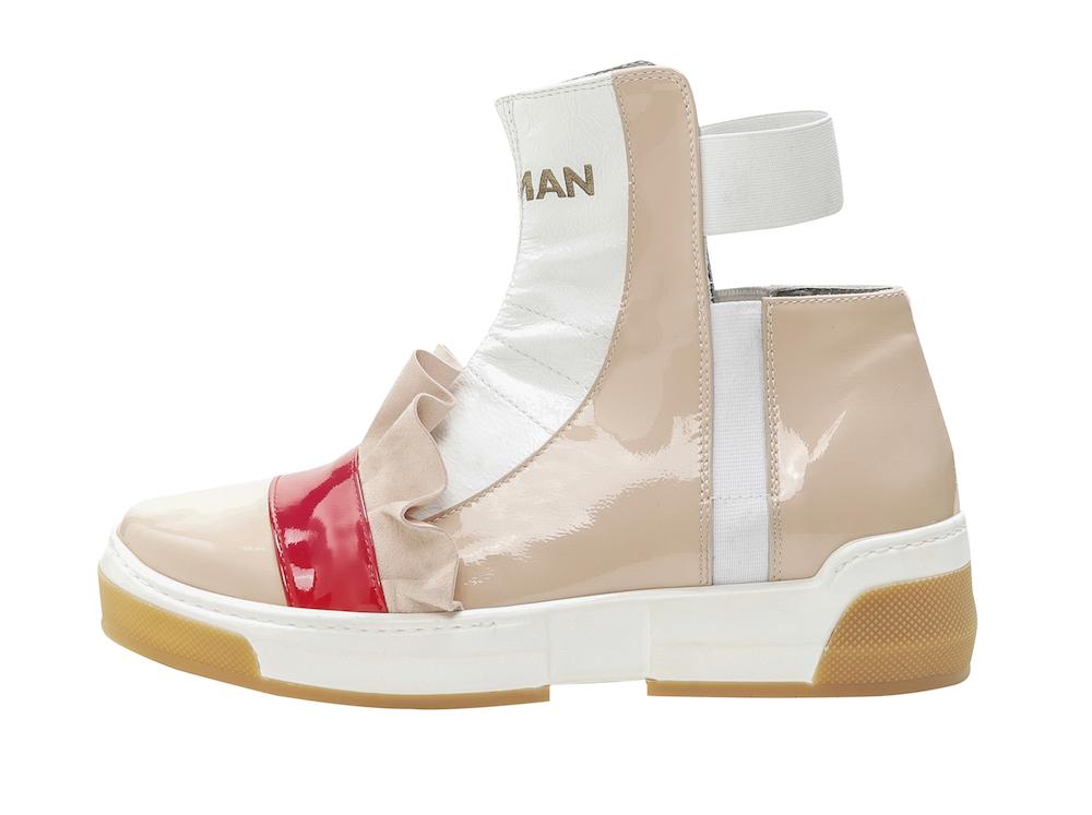 Beyond, la sneaker che va oltre i soliti diktat della moda, incontra la creatività più libera ed innovativa con gli studenti del NABA, Nuova Accademia di Belle Arti.