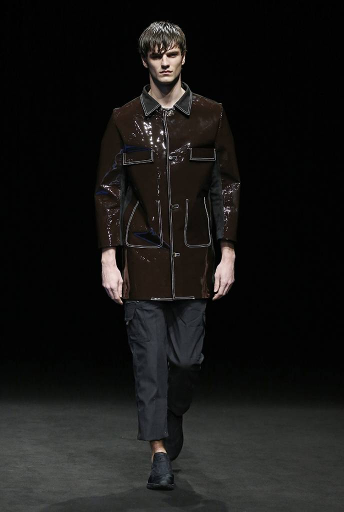 Pablo Erroz, marchio di moda Ready To Wear nato nel 2010, si rivolge sia a uomini che a donne. Collezioni unisex, create con materiali di qualità, per capi che durano nel tempo in un mix tra classicismo e modernismo che gli attribuisce raffinatezza e gusto.