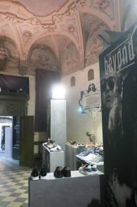 UFF! è la Urban Florence Fair curata da Urban Magazine nella Chiesa Consacrata dell'Educatorio di Fuligno in via Faenza 50 durante i giorni di Pitti Immagine