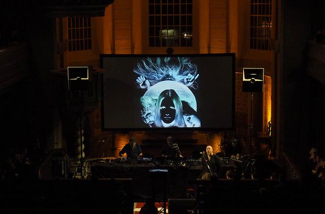 a Berlino l'elettronica sperimentale si suona in chiesaa Berlino l'elettronica sperimentale si suona in chiesa